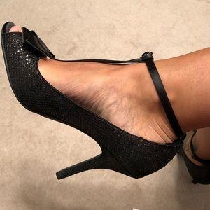 "Cute sparkly, strappy 4"" stiletto heels."